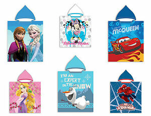 Poncho-Strandtuch-mit-Kaputze-Frozen-Princess-Minnie-Cars-Spiderman-50-x-115-cm