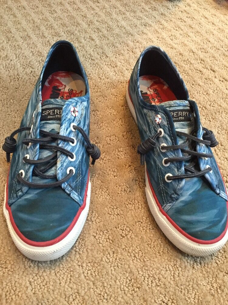 Gently Worn SPERRY JAWS Size 7 shoes in Euc