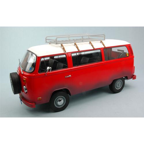VW autobus T2B 1973 FIELD OF DREAMS 1989 rossobianca 1 18 verdelight Movie