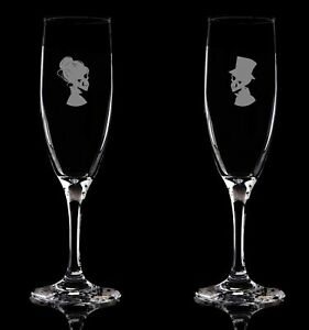 Flute-Glass-Champagne-Set-of-2-Gothic-Bride-Groom-Hand-Etched-143-Ideal-Gift