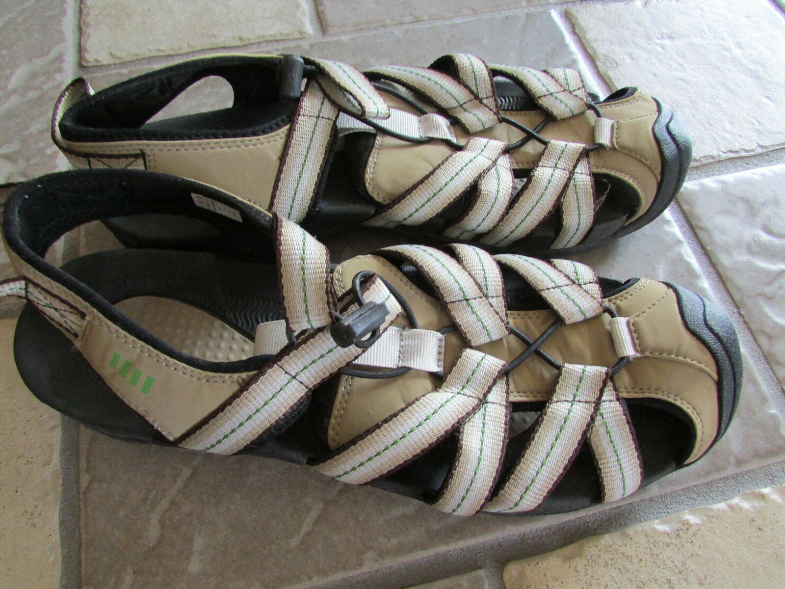 LANDS' END CLOSED TOE SANDALS WOMENS 11  SPORT SANDALS FREE SHIP