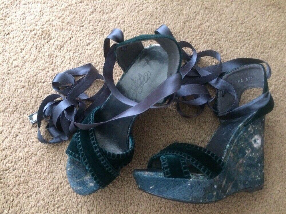 Stuart Weitzman Theodora Callum Biarritz Teal Velvet Wedge Lace up Größe 6 395