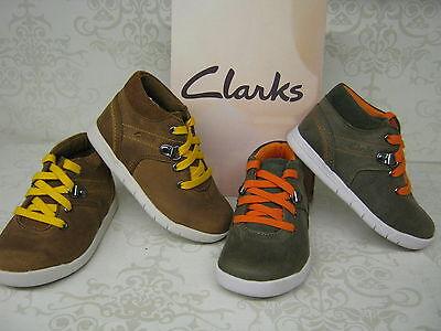 Jungen Clarks Crazy Crew Fst Braun Oder Khaki Leder Geschnürte Stiefeletten