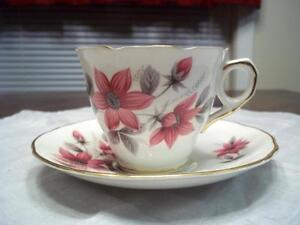 Vintage-039-Evesham-039-by-Royal-Stafford-Fine-Bone-China-Tea-Cup-amp-Saucer
