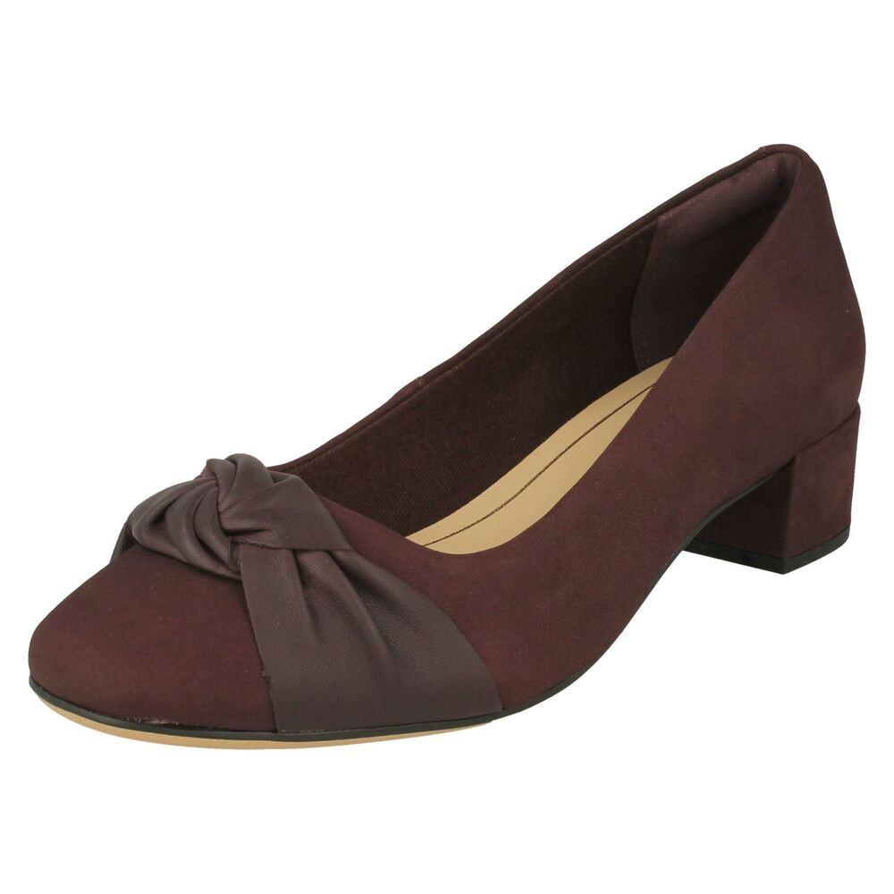 """""""mesdames Clarks's Bow Détaillée Et Talon Bottier Chaussures-orabella Lily"""