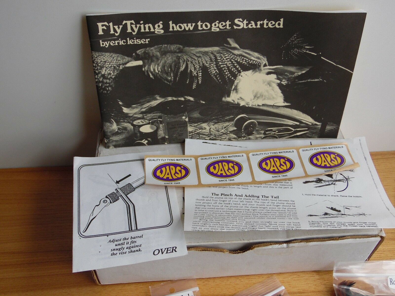 VTG SUNRISE AA FLY TYING VISE with tools book lots of extras feathers fur etc.