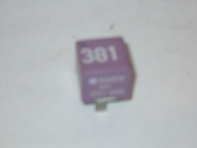 Relais 381 Nebelscheinwerfer Audi A4 B5 VW Passat 3B 431951253G