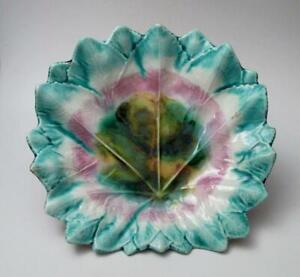 ANTIQUE-VICTORIAN-MAJOLICA-LEAF-SHAPED-PLATE-STUNNING-GLAZE