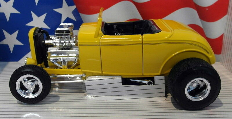 Ertl 1 18 Scale Diecast - 7238 1932 Ford Street Rod Deuce Yellow