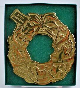 Virginia-Metalcrafters-Brass-Merry-Christmas-Wreath-Trivet-Beautiful-1996