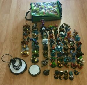 Skylander-71-Figures-and-extras