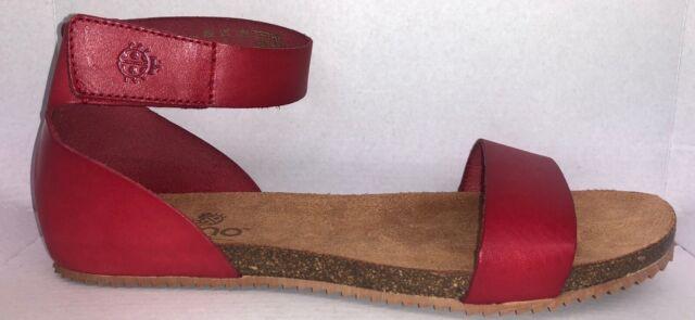 Clarks Red Leisa Claytin Flat Sandal