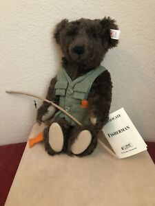 STEIFF-Fisherman-Bear-LE-004-1000-NEW-with-Paper-Tag-Button-In-Ear-Tag-WDW