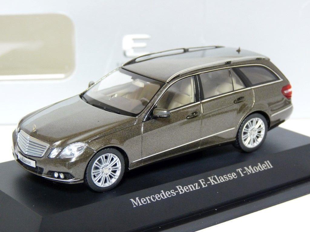 Schuco b66962446 1   43 mercedes benz e - klasse kombi ein diecast modell - auto