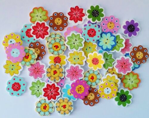 assorted 50pcs Wooden Flower Buttons 2 Hole 20mm Sewing-Cardmaking-UK