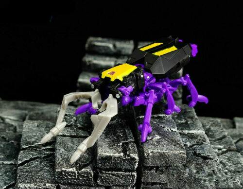 Transformers Generazioni Combinatore GUERRE LEGGENDE skrapnel giocattolo 8CM
