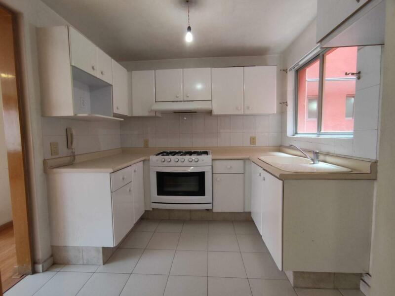 Departamento en Venta de 125 m2, 3 recámaras, 3 baños, 2 elevadores, 2 cajones en Pedregal de Coy...