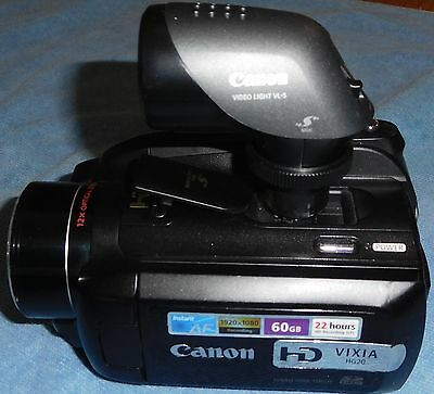 """CANON VIXIA HG20"" (60 GB) Camcorder w/ WIDE ANGLE &TELEPHOTO Lens'+VIDEO LIGHT"