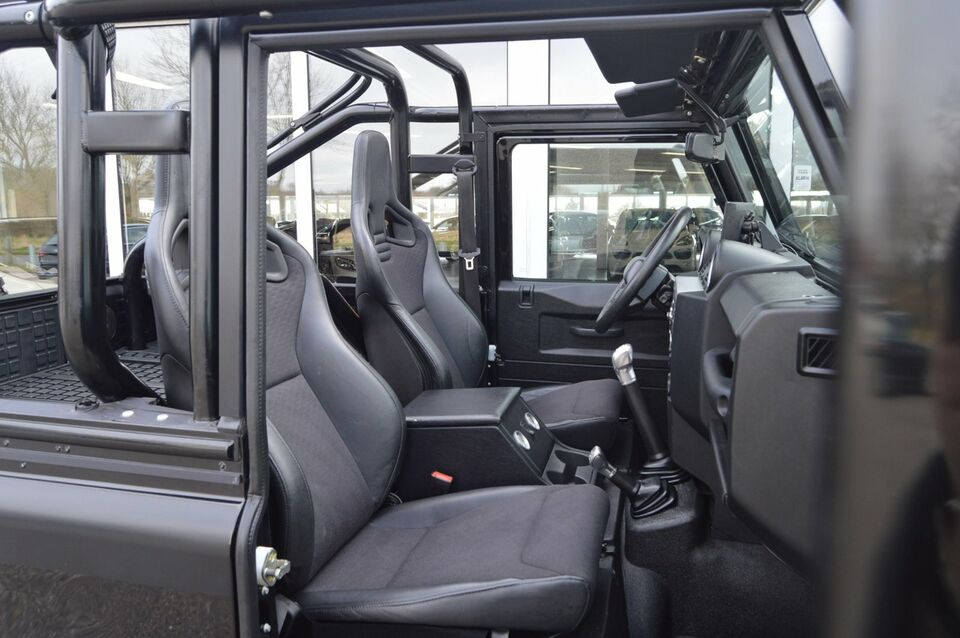"Land Rover Defender 2,4 TD 90"" Softtop Pickup Diesel"