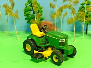 John-Deere-Riding-Tractor-With-Lawn-Mower-Deck-ERTL-Quality