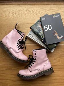 Pastel-Pink-Patent-Dr-Martens-6