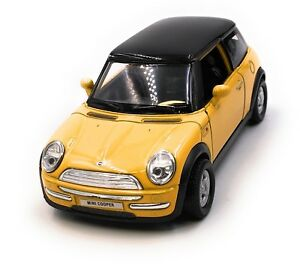 Maquette-de-Voiture-Mini-Cooper-Jaune-Auto-1-3-4-39-Licence