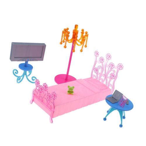 camera da letto di fantasia con giochi per la casa delle bambole