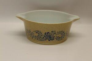 Pyrex Casserole Dish w/ Lid Homestead 475-B 2.5 Qt. Tan & Blue Speckled No lid