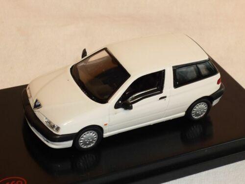 Alfa Romeo 145 Stradale 3 TÜrer Weiss 1//43 Modell Auto Modellauto