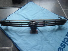 FORD FOCUS MK1 FRONT GRILL IN ORIGINAL BLACK IN NICE,CLEAN,STRATE ORDER