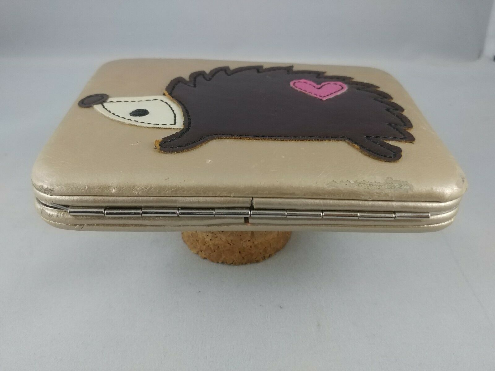 Hedgehog Heart Wallet Gold Hardshell Leather Clasp ADORABLE! Pre-owned