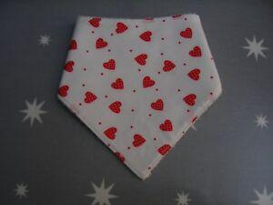 100% Coton Bébé Bandana Blanc Avec Rouge Cœur Dribble Bib-afficher Le Titre D'origine