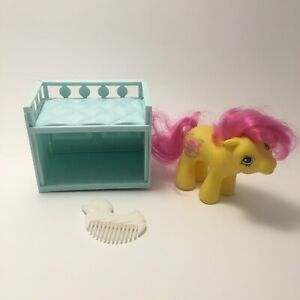 Vintage G1 Baby Flicker My Little Pony (Drink 'n' Wet Baby Ponies) Crib And Comb