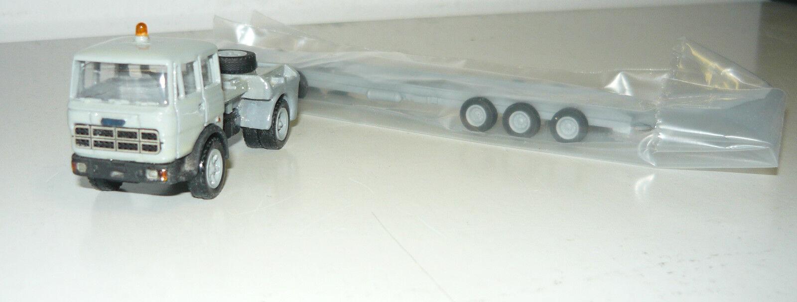 Ninive 38/h trattore con strade Roller, 1/87, neu&ovp