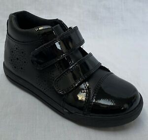 BNIB Clarks Girls Etch Form Black Patent Leather Ankle Boots G Fitting