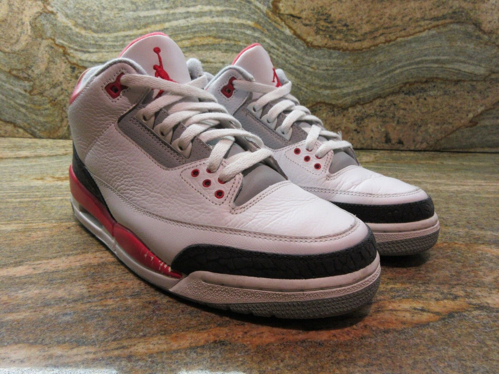 2006 Nike Air Jordan Retro 3 III OG SZ 9 White Fire Red Cement Grey 136064-161