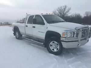 2003 Dodge Ram 3500 5.9 Cummins 6 speed manual