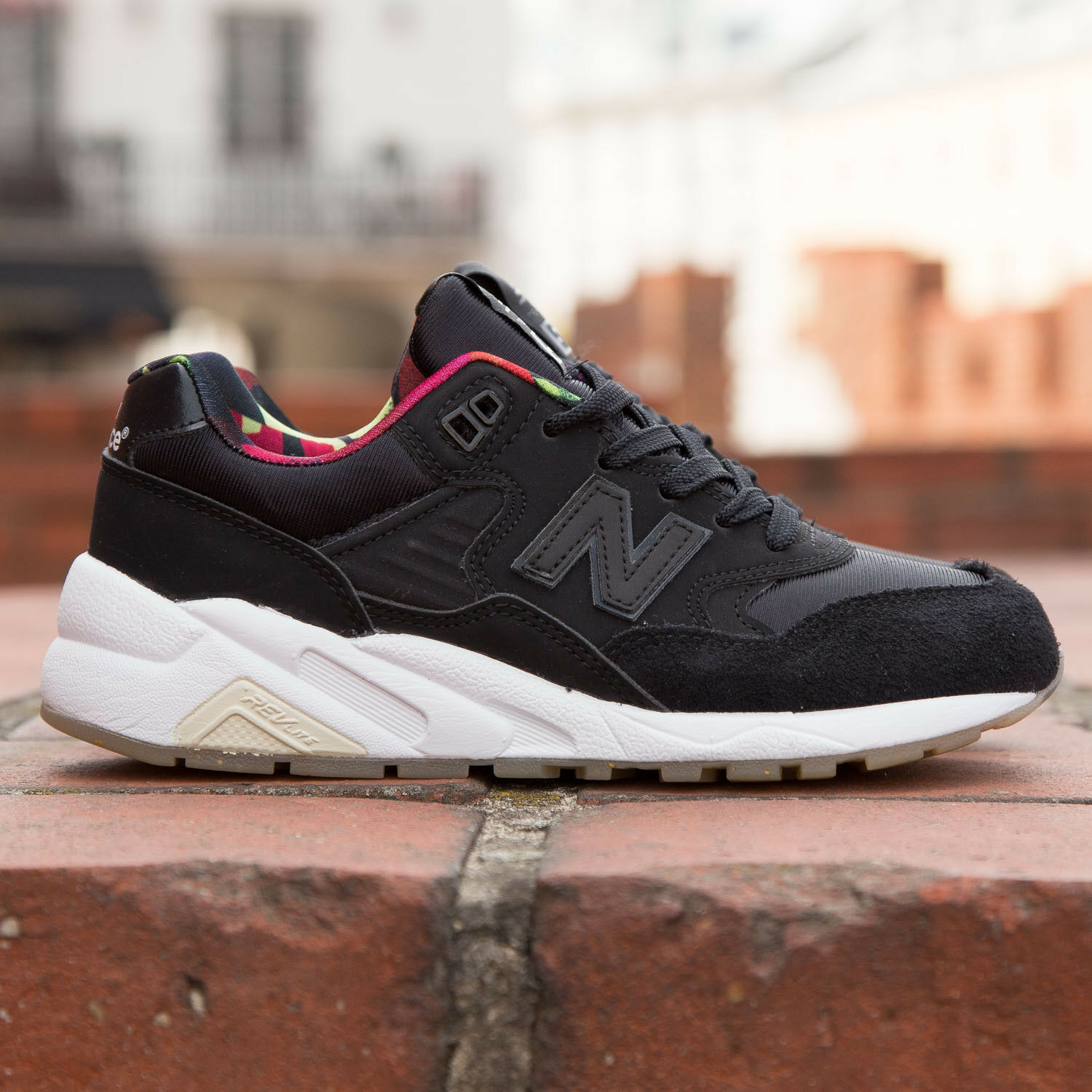 New Balance 580 WRT580RK noir femme (taille 7 - 9.5) capsule collection