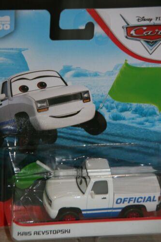 "DISNEY PIXAR CARS 3  /""KRIS REVSTOPSKI WITH GREEN FLAG/"" NEW IN PACKAGE SHIP WW"