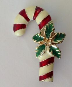 Candy-Cane-amp-Holly-Christmas-Brooch-Pin-Badge-Quality-Vintage-Gift-N16