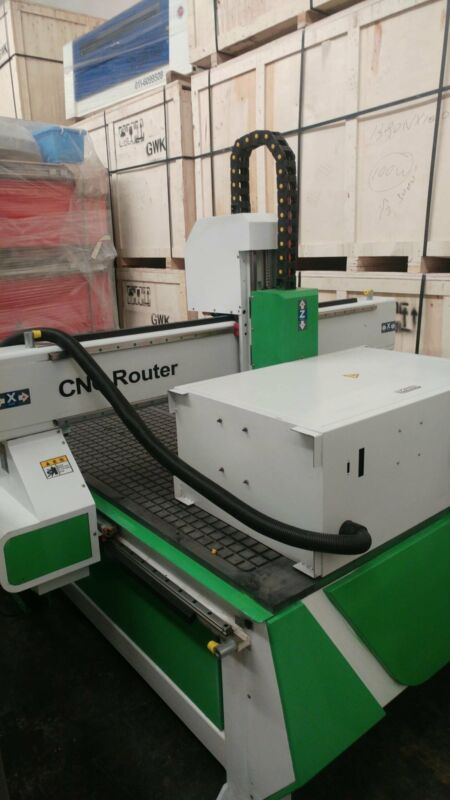 FOR Signage, woodworking and interior design - CNC ROUTER 1318 Vacuum