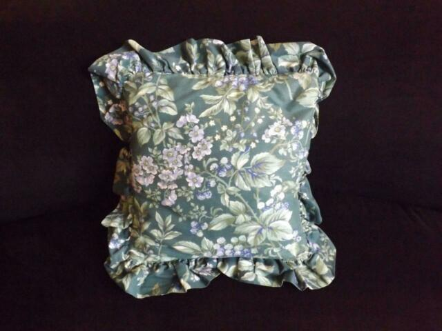 "Laura Ashley Bramble Berry Square Decorative Toss Throw Bed Pillow 12/"" x 12/""mint"