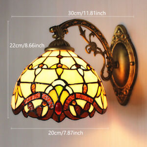 Vintage Style Stained Glass Wall Mounted Lamp With Pull Chain