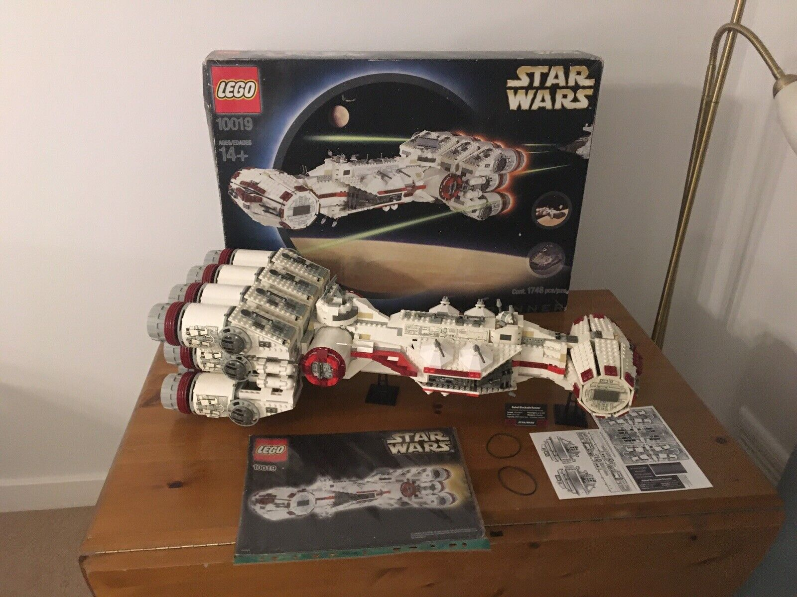Star Wars Lego 10019  Rebel Blockade Runner 100% Complete & Blau Box