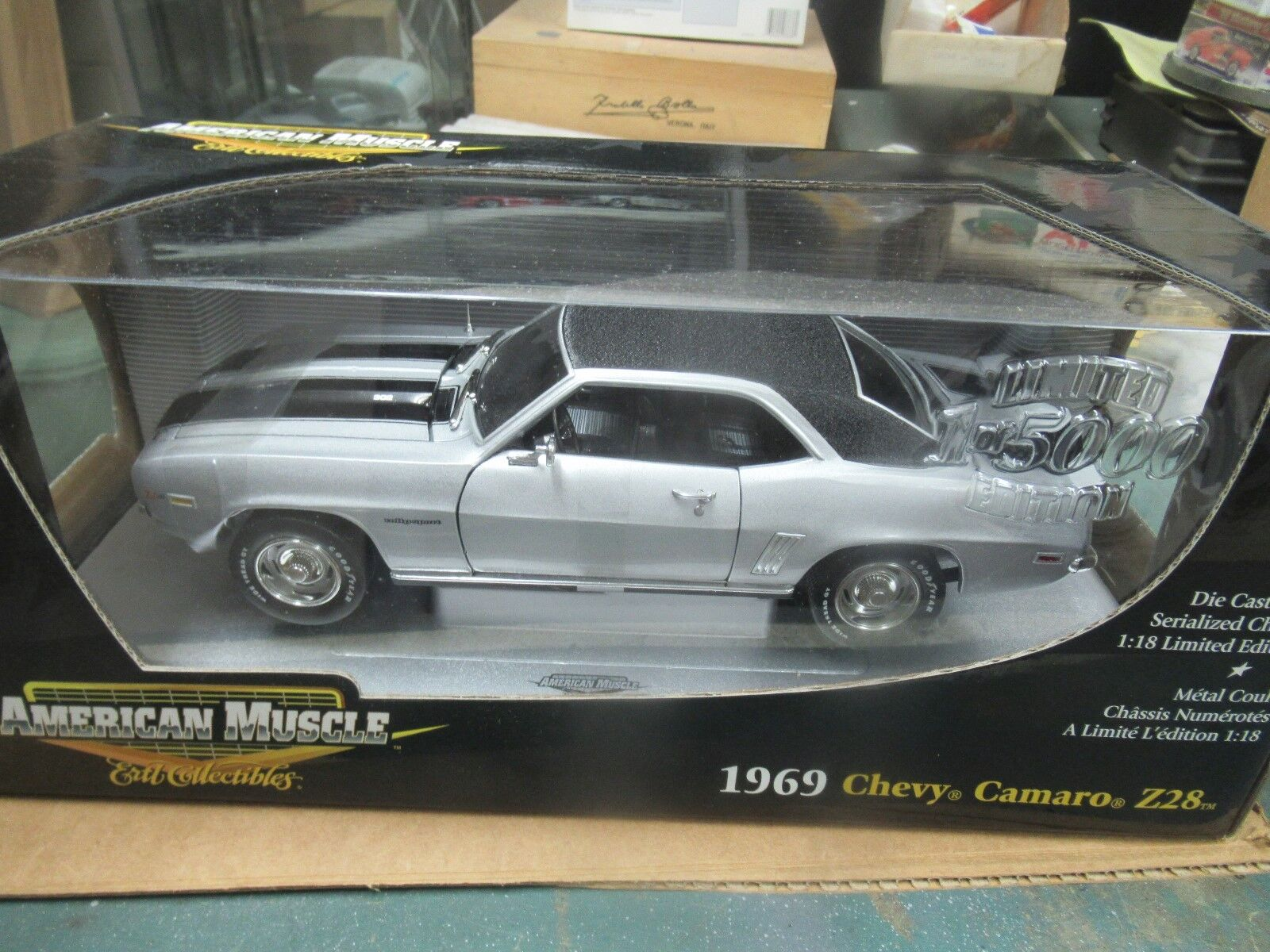 AMERICAN MUSCLE ERTL 1969 Z 28 RS Cortez Silver   LE 5000 New In Box  33594