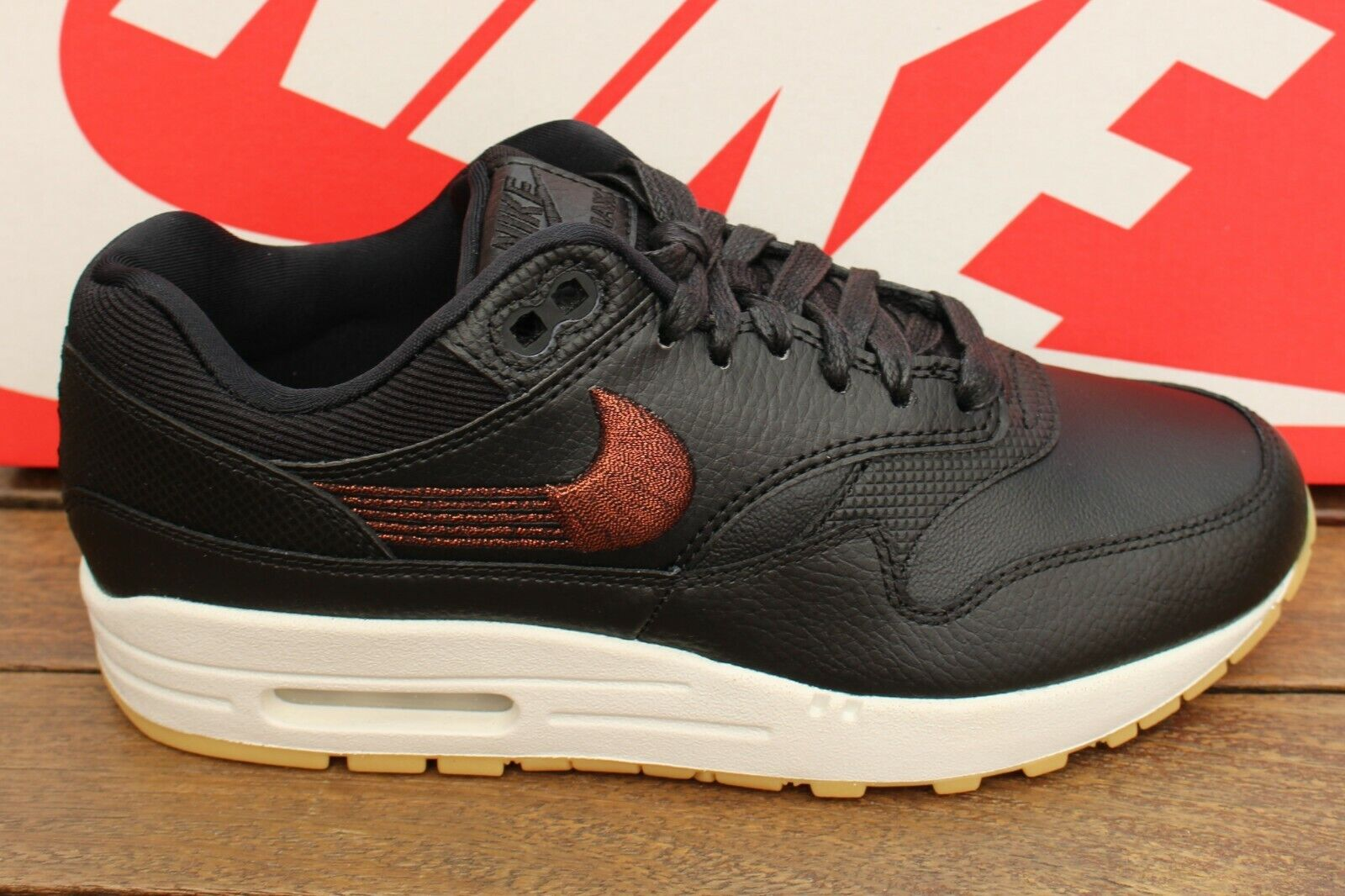 donna Nike Air Max 1 PRM Trainers  454746 -020 UK sz's 4.5  i nuovi stili più caldi