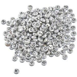 500-Neu-Silbergrau-Flach-Buchstaben-Acryl-Spacer-Perlen-Beads-7mm-hello-jewelry