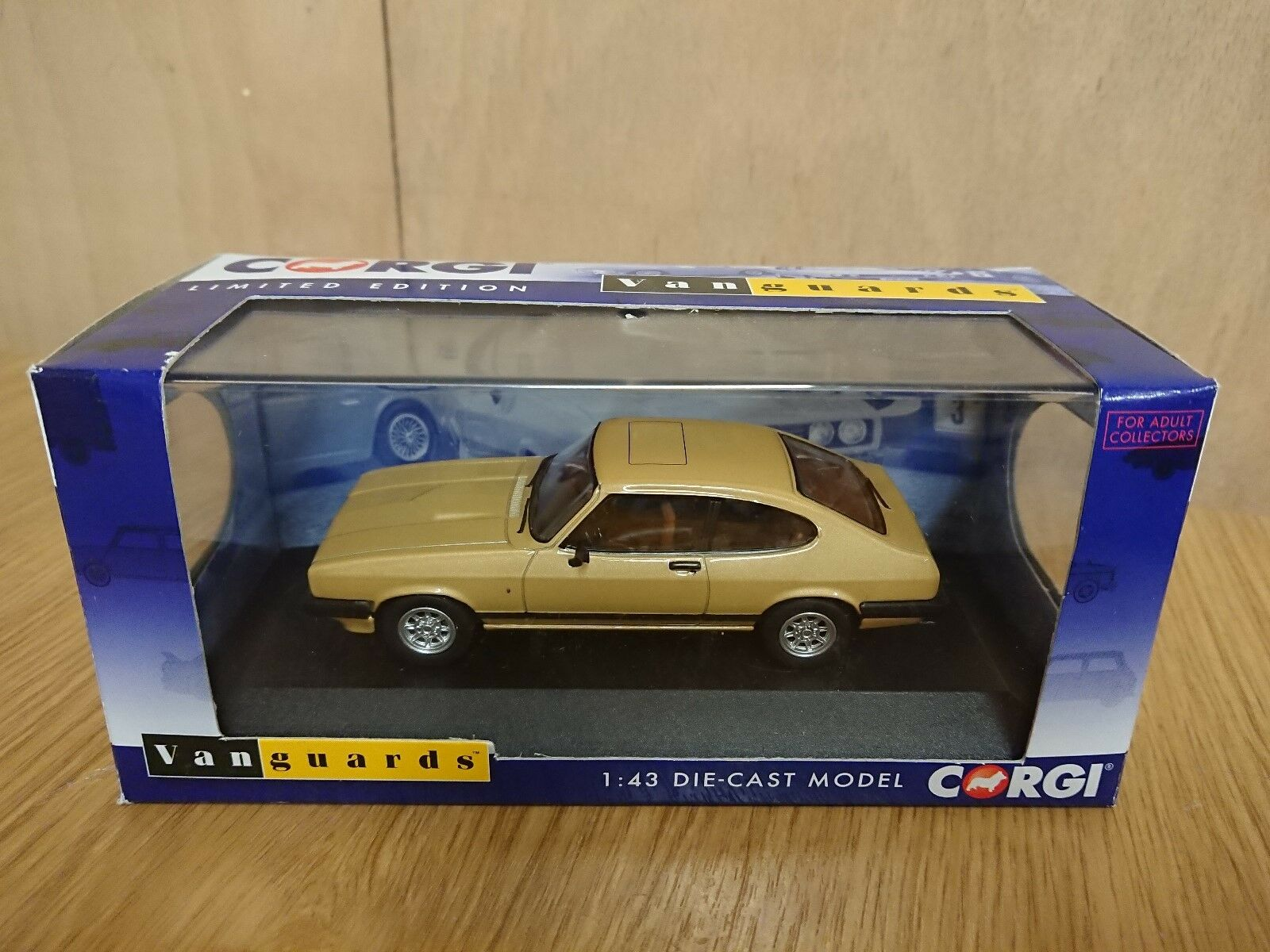 Corgi VA10814C Ford Capri Mk3 3.0 Ghia gold LHD FRANCE Ltd Edition No 600 of 600