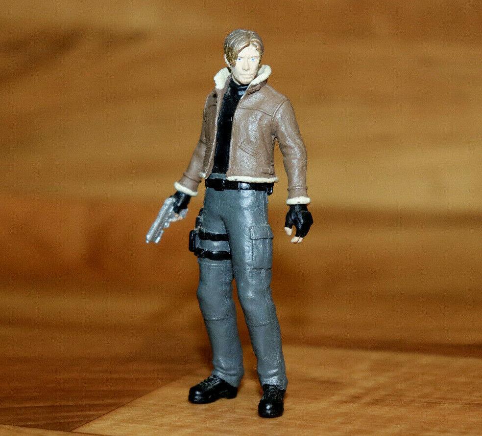 Resident evil 4 Biohazard Agatsuma Mini Collectible Figure Leon S.Kennedy