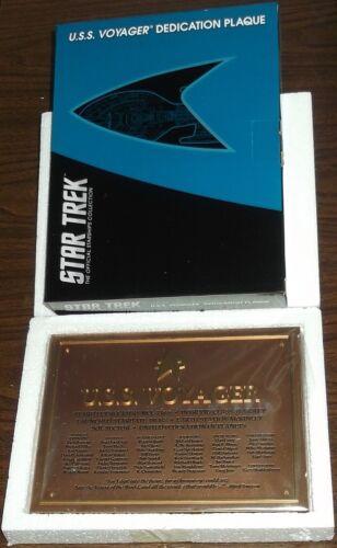 Star trek official starships collection u.s.s voyager dévouement plaque